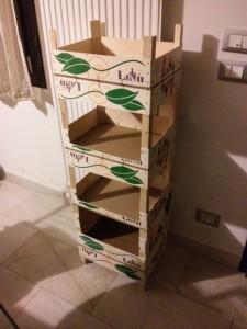 Portagiochi con cassette della frutta
